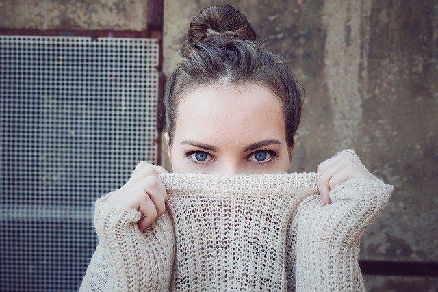 Bardzo istotny element urody kobiet – brwi